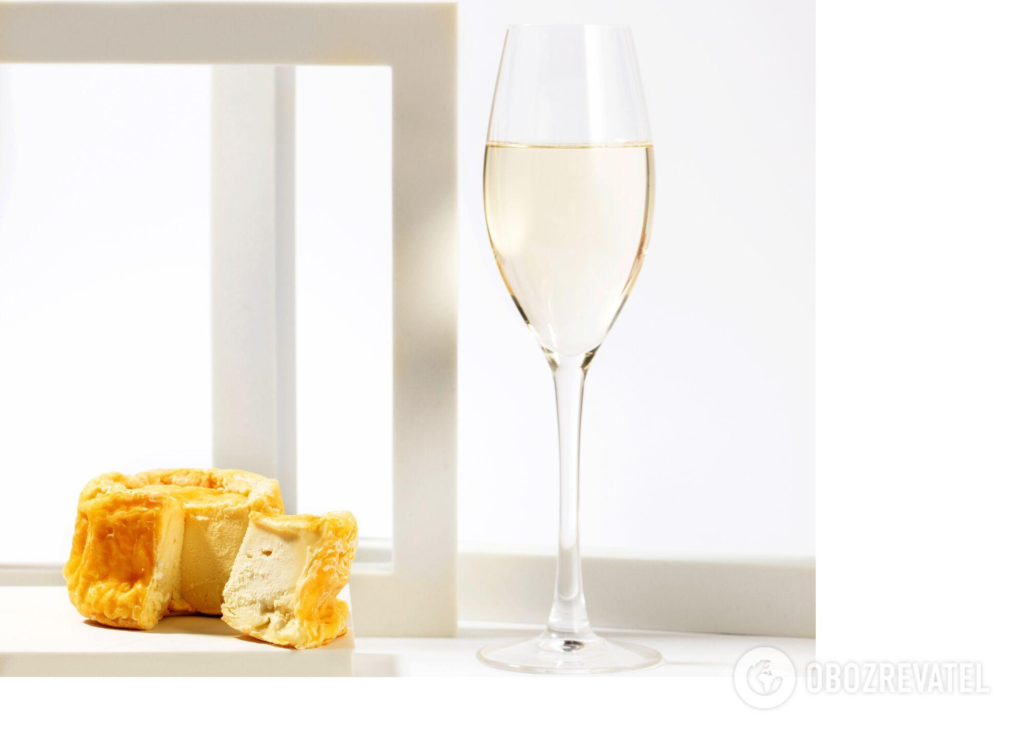 Як правильно поєднувати сир і алкоголь