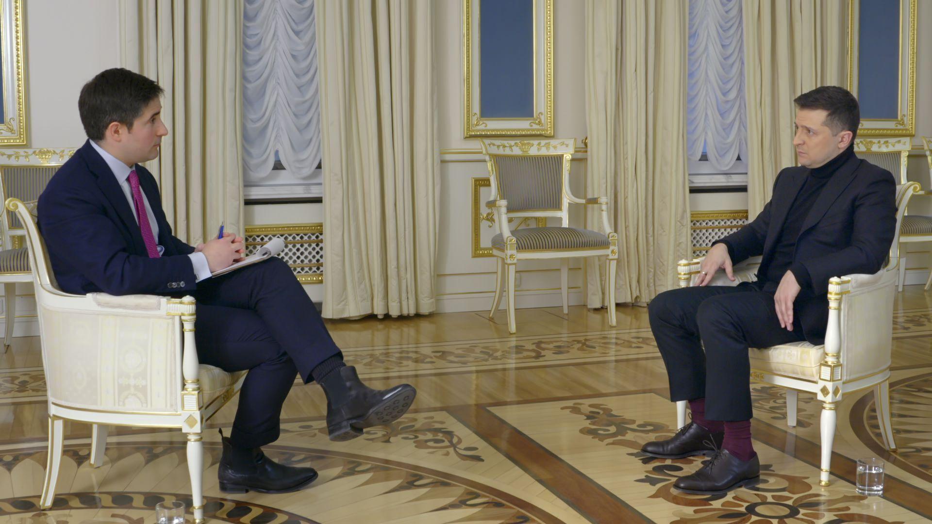 Зеленский на интервью у журналиста Джонатана Свона
