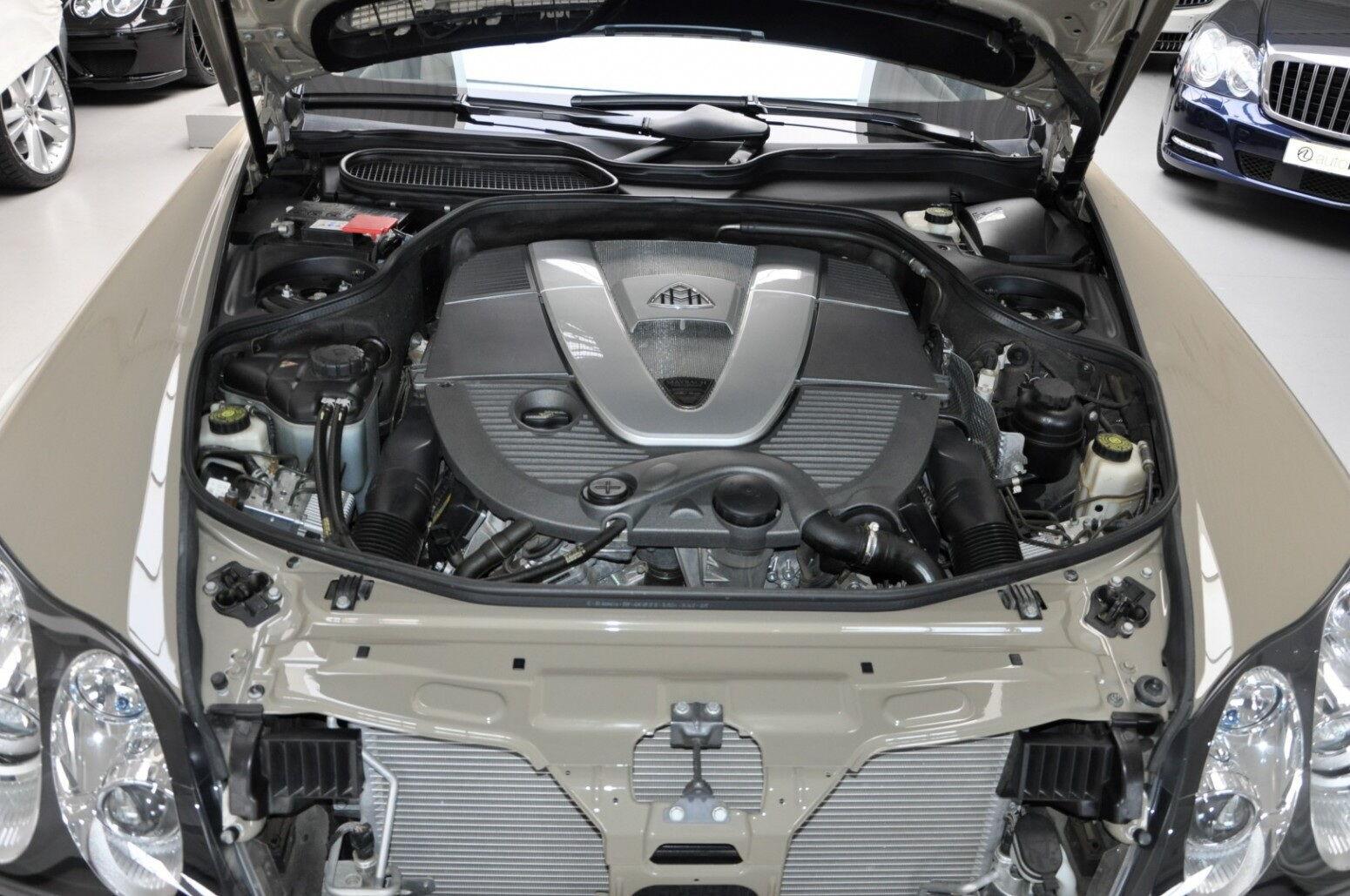 Под капотом купе располагается 6-литровый V12, развивающий 640 л.с.