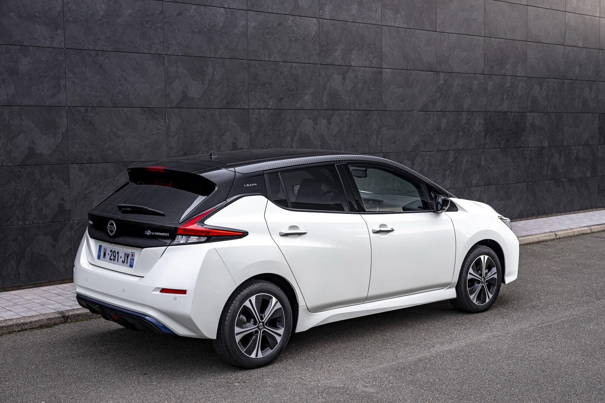 Вартість Nissan Leaf10 у Великобританії стартує з позначки 28820 фунтів (32600 євро)