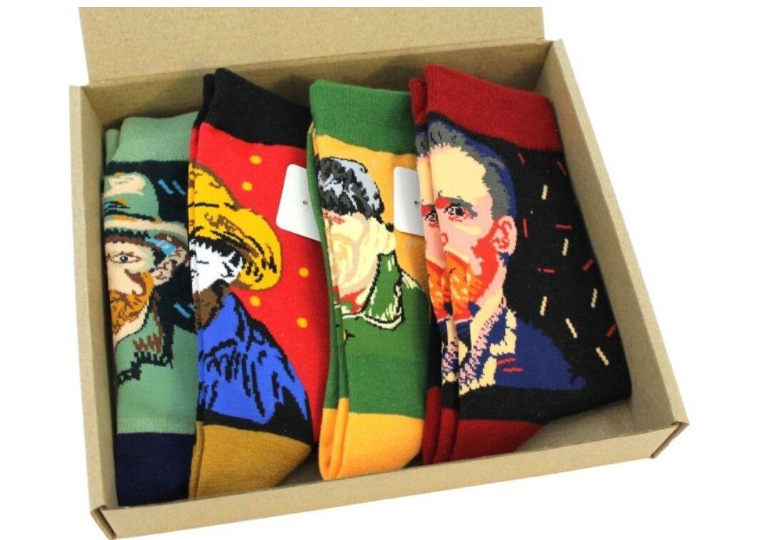 Носочки с портретами любимых художников понравятся творческим личностям