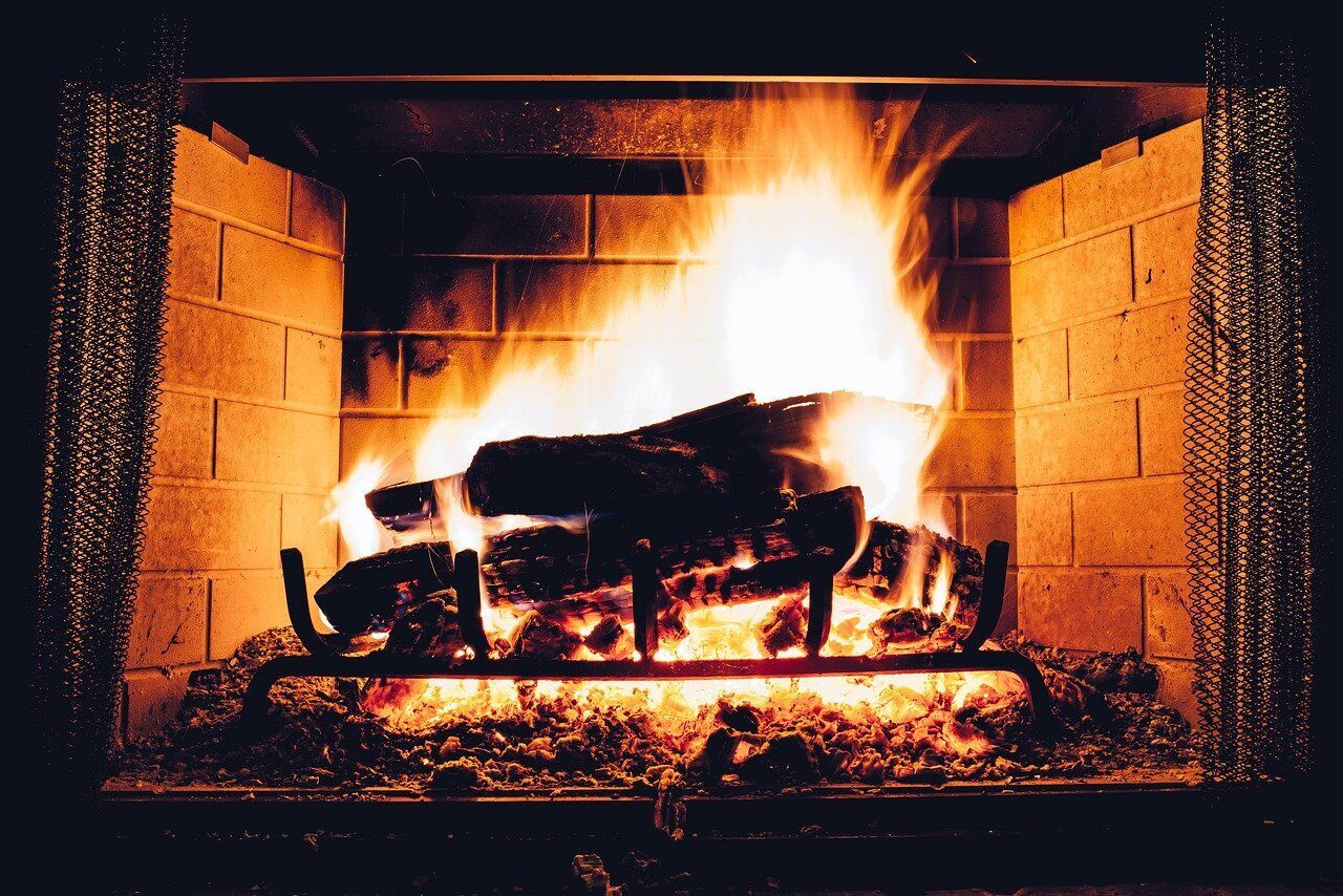 Многие приметы 13 февраля были связаны с огнем