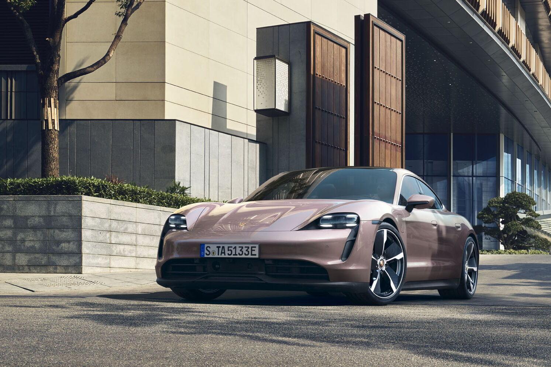 """""""Младший"""" представитель семьи Porsche Taycan – версия с моноприводом."""