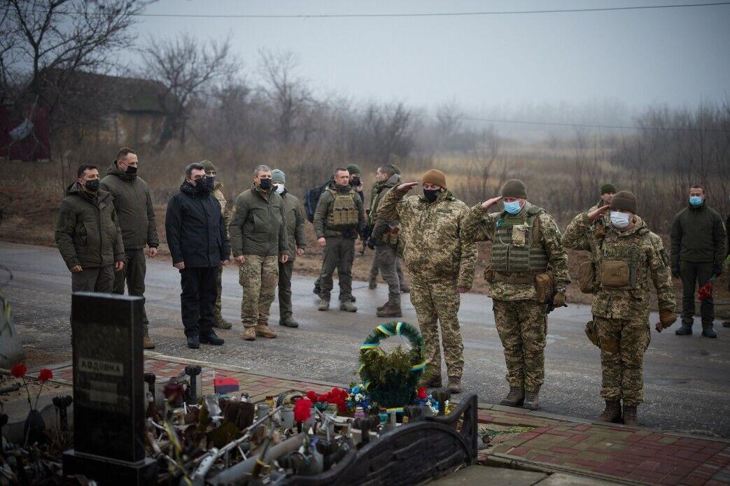 На церемонии почтили память погибших Героев