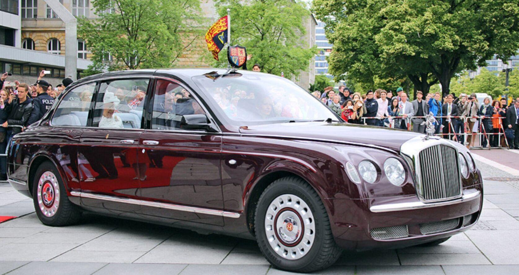 Лімузин Bentley Єлизавети II