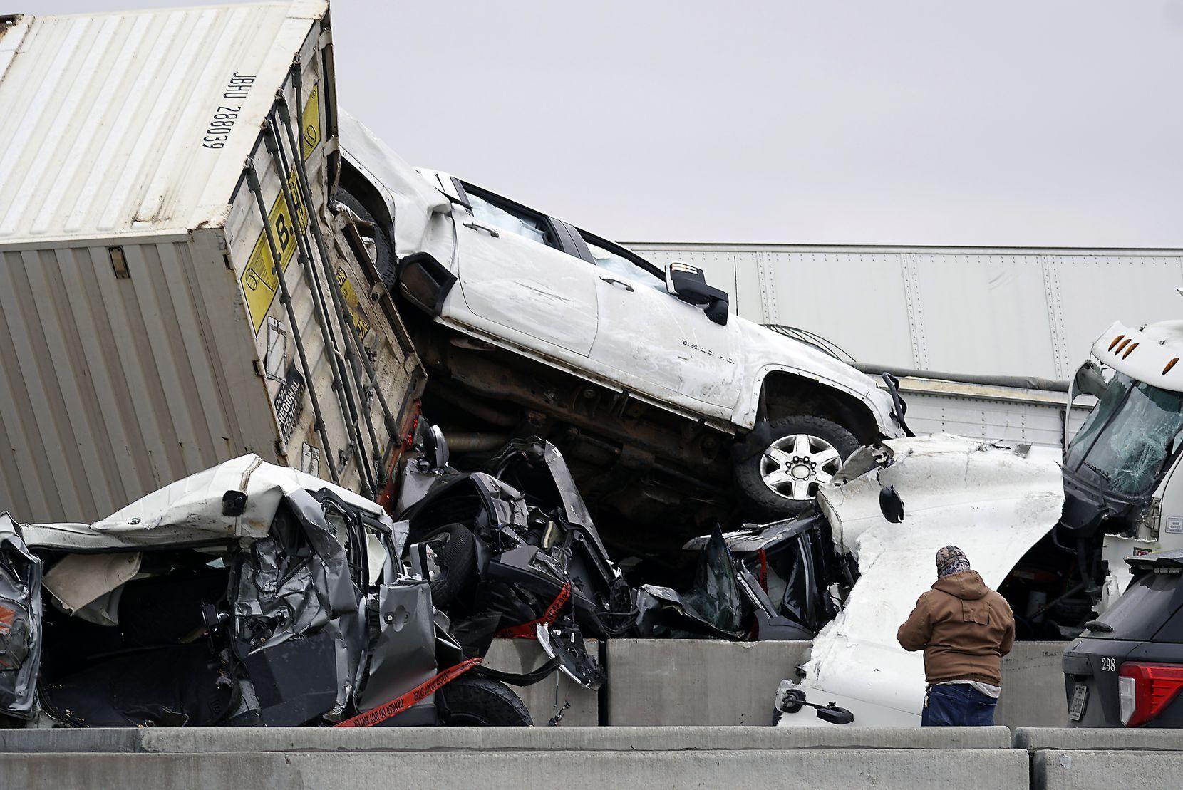 Причиной аварии стала скользкая дорога