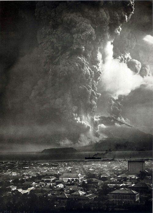 Извержение вулкана Сакурашима. Япония, 1914 г.