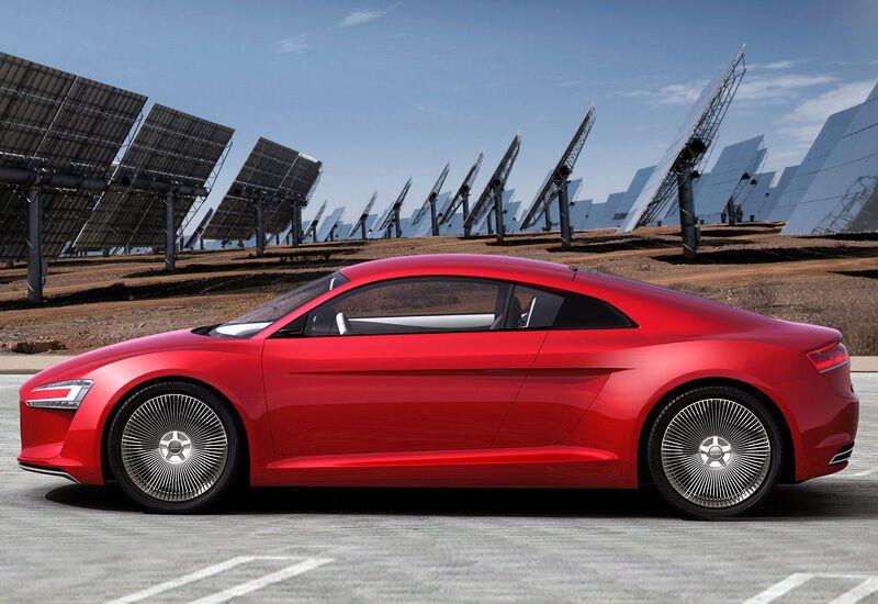 У 2009 році Audi показала електричний варіант R8