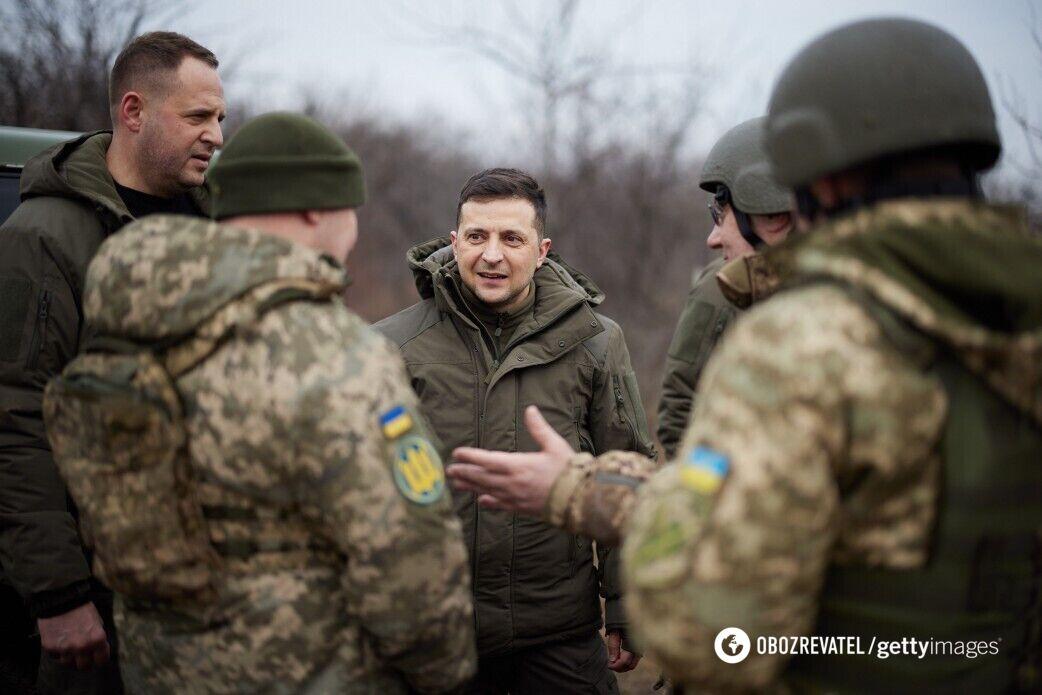 Президент України Володимир Зеленський під час візиту разом із послами країн G7 на Донбасі, 11 лютого 2021 року