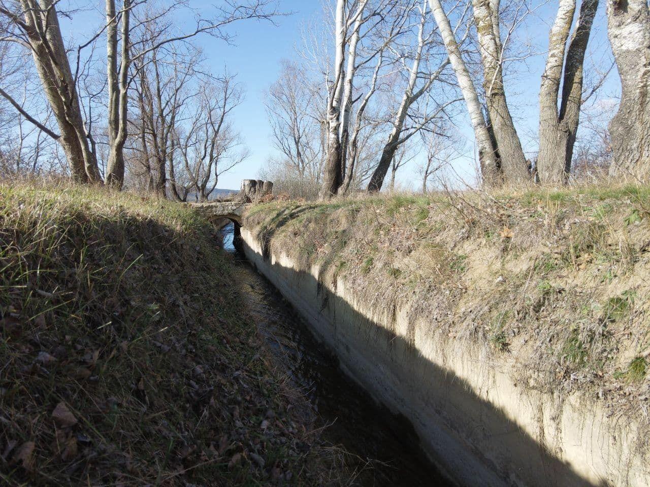 Потоки, которые питали Бахчисарайское водохранилище, почти пересохли.