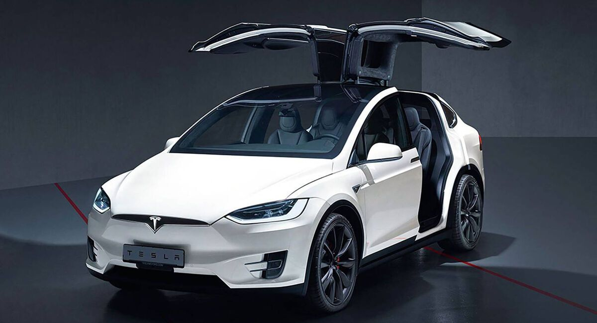 """Tesla Model Х """"підбадьорила"""" інженерів Audi"""