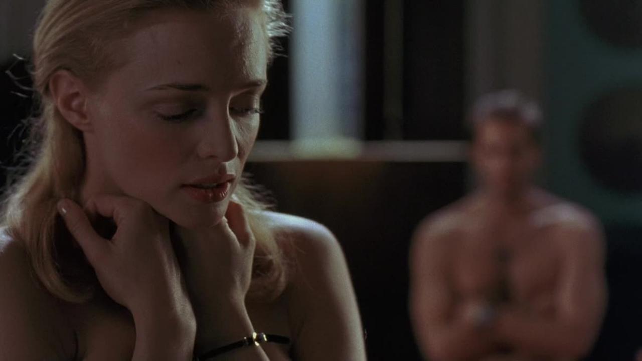 """Фільм """"Вбий мене ніжно"""" розповідає про серійного убивцю і його наречену."""