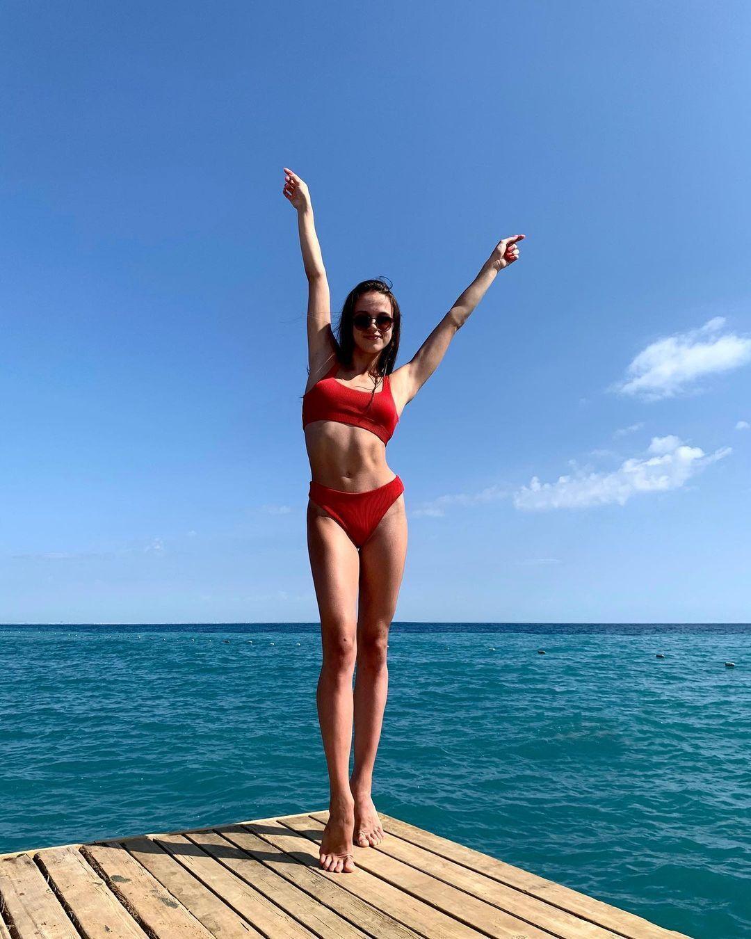 Валерія Юзьвяк на пляжі