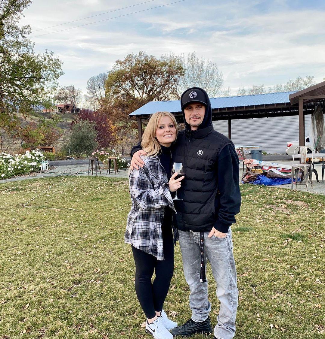 Чапкис со своей женой Эмбер