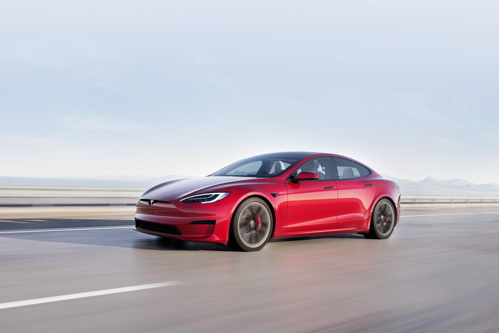 Обновленный флагман марки – Tesla Model S