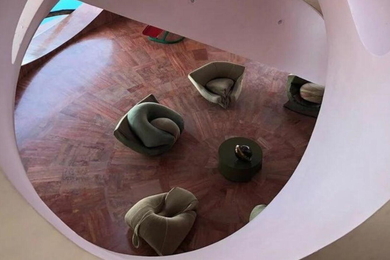 Архитектор хотел создать дом с комнатами, которые имитировали пещеры