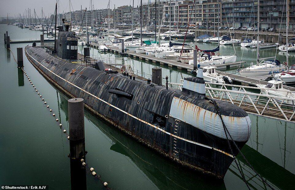 Cоветская подводная лодка Б-143 класса «Фокстрот»
