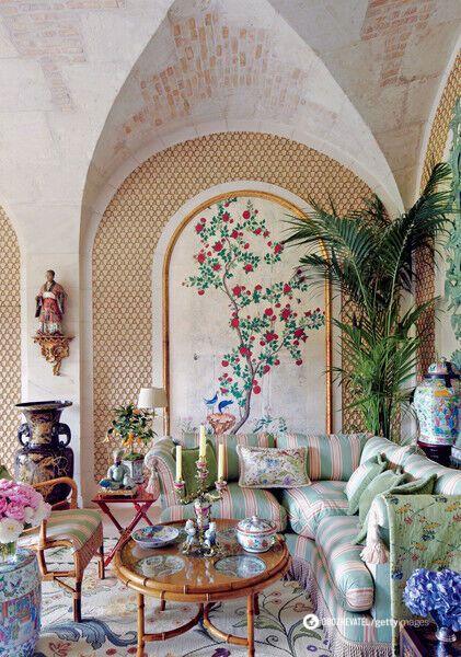 В доме именитого кутюрье множество мелочей, которые придают ему невероятное очарование