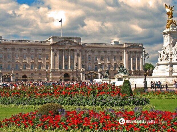 В Букингемском дворце – 775 комнат