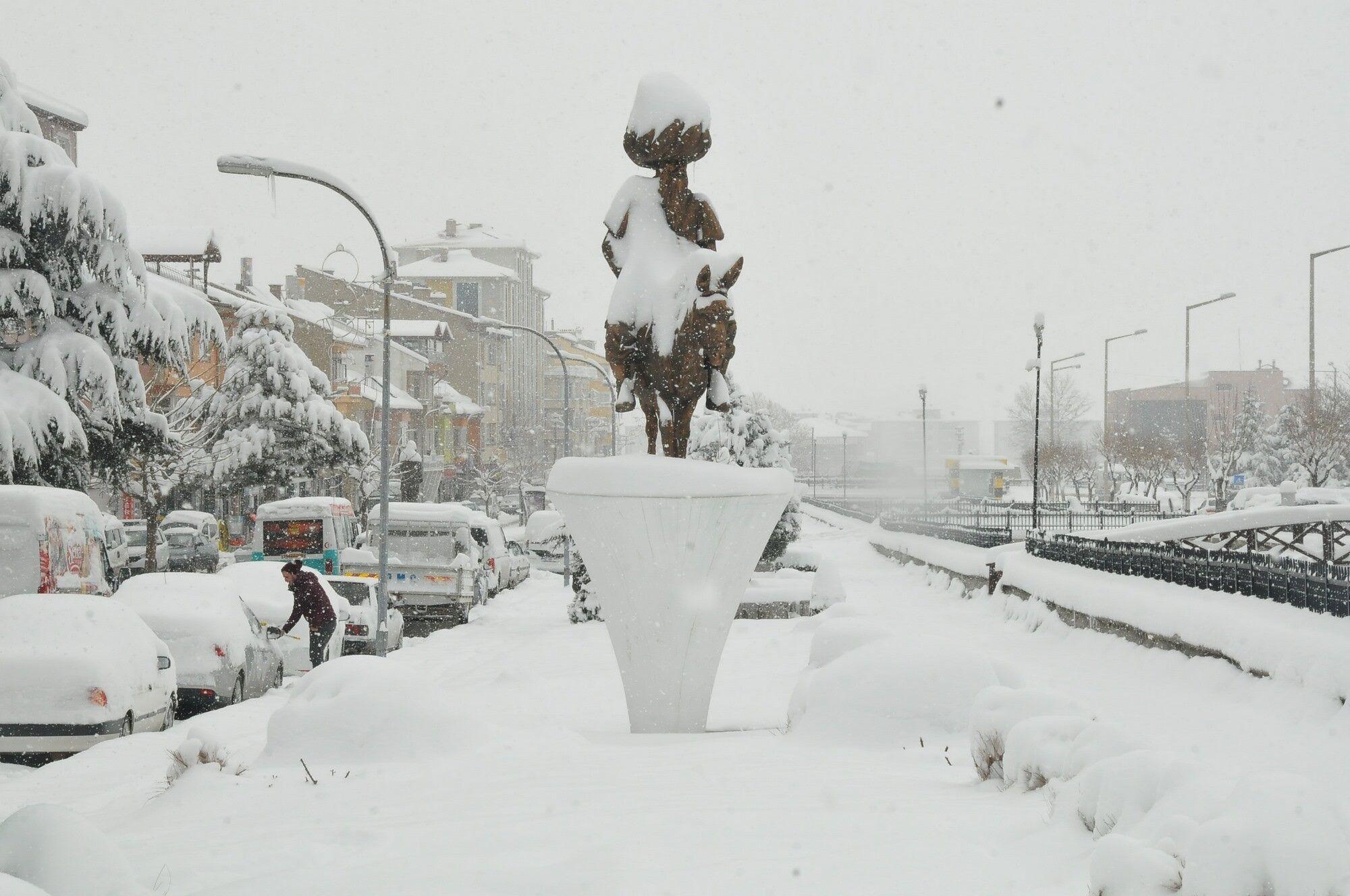 Сніг у Туреччині 16 лютого
