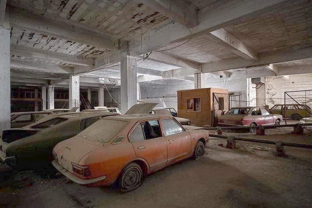 В Вароше сохранилось несколько десятков авто, стоящие без движения более 45 лет