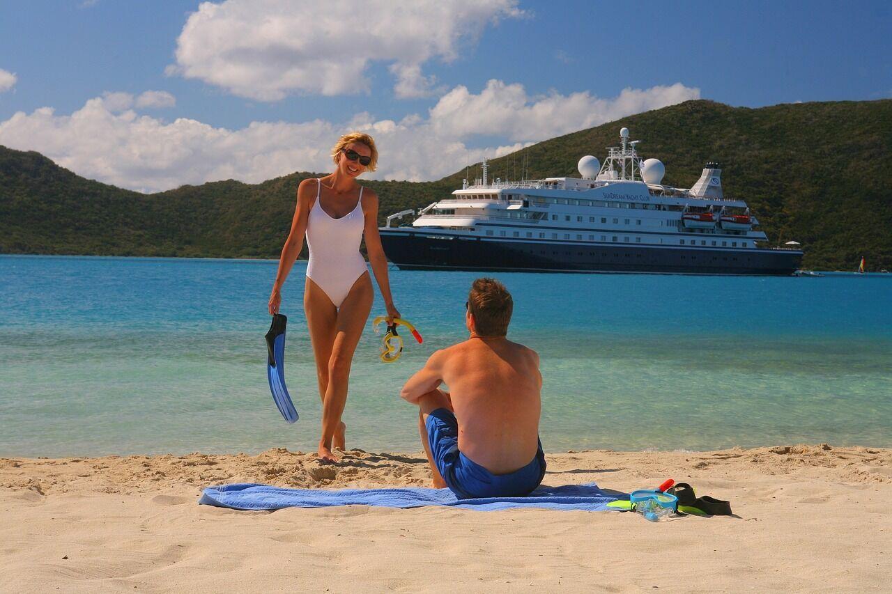 Туристы любят нарушать правила проживания в отеле, но это может повлечь за собой ответственность перед законом.