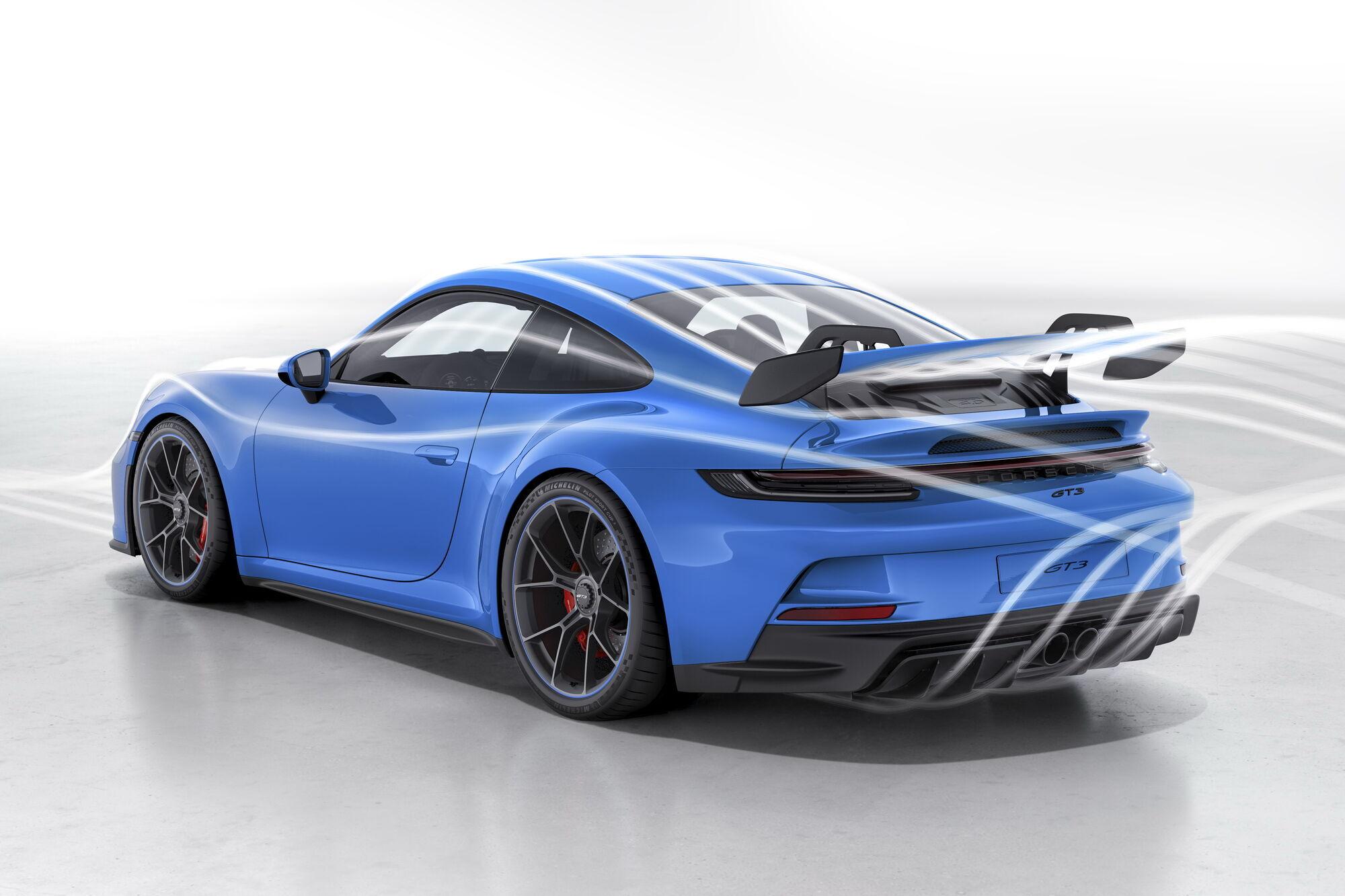 За счет улучшения аэродинамики прижимную силу удалось увеличить вдвое по сравнению с прежней генерацией GT3