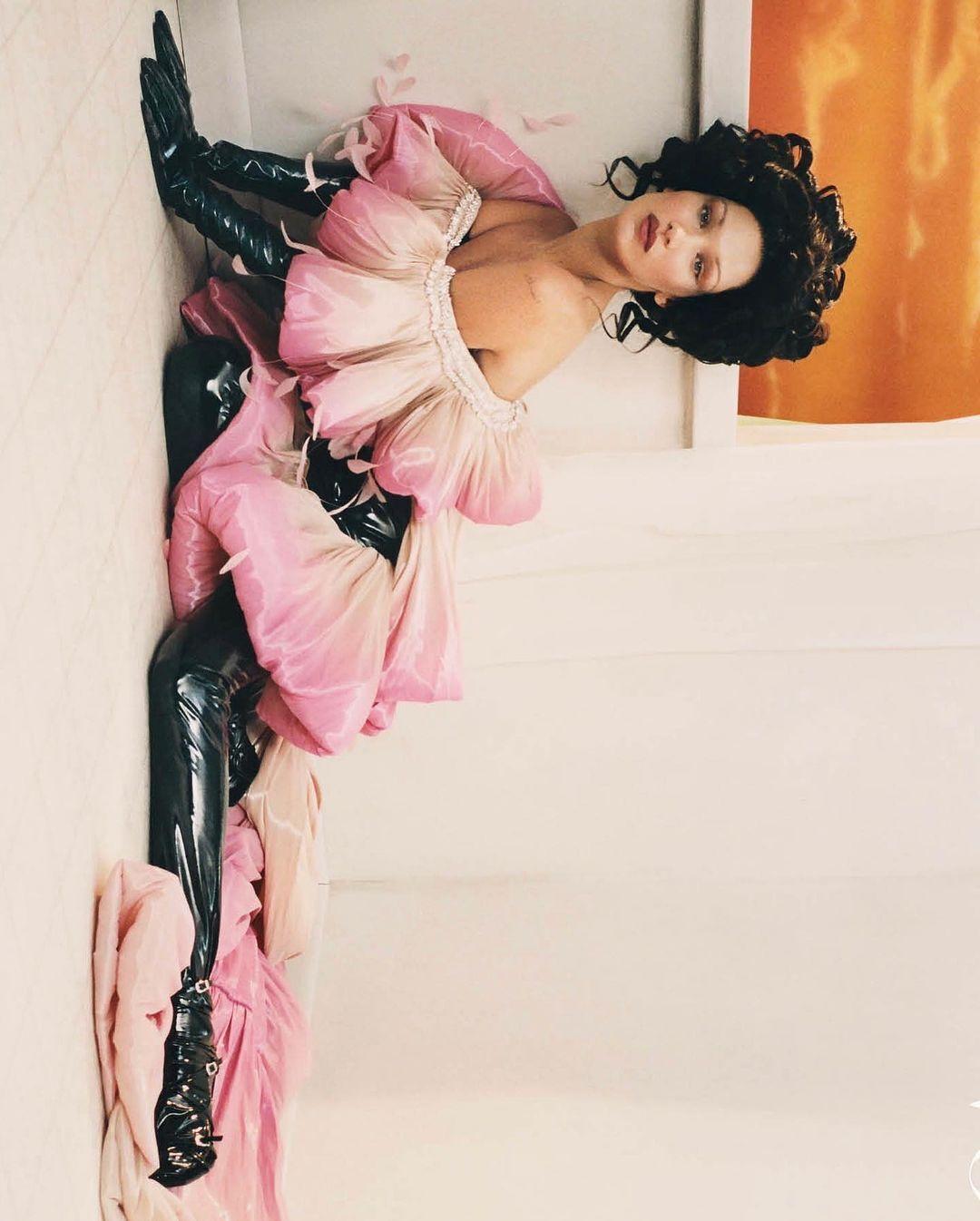 Белла Хадид в фотосессии для Vogue