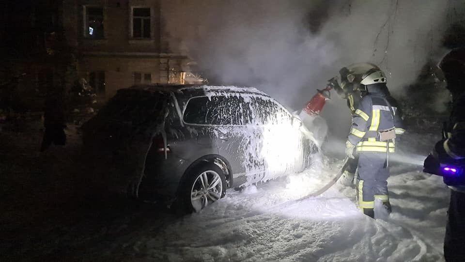 Подожгли автомобиль известного блогера Антонова.