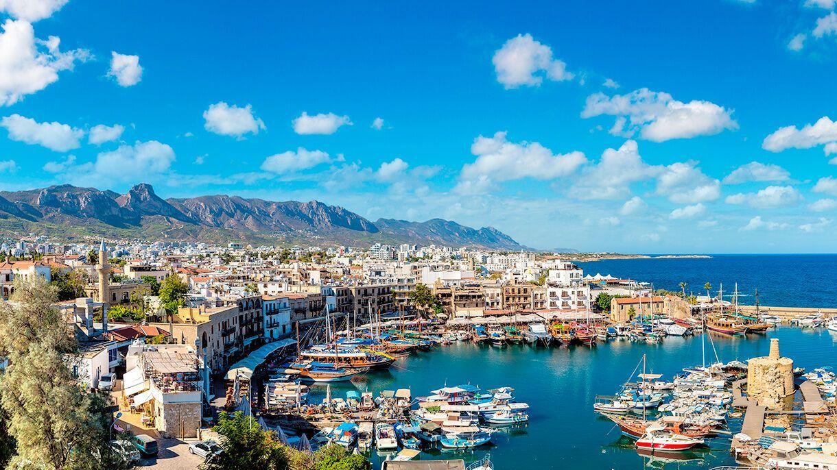 Кіпр приваблює не тільки дешевими путівками, але й сприятливим кліматом.