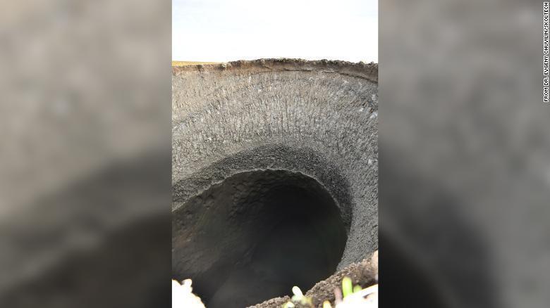 Вчені встановили причину виникнення загадкових дірок у Сибіру.