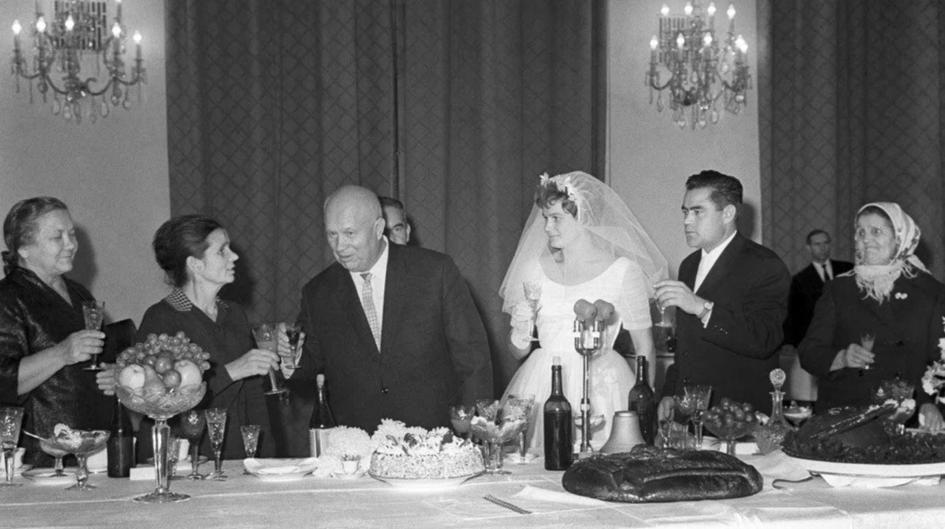 Микита Хрущов на весіллі Терешкової та Ніколаєва