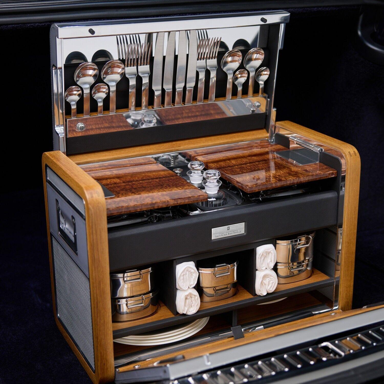 Набір для пікніка в Rolls-Royce Phantom