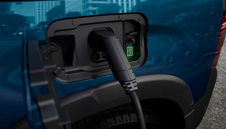 """На """"швидкій"""" зарядної станції з допустимою потужністю до 100 кВт процес зарядки АКБ до 80% ємності займе всього 30 хвилин"""