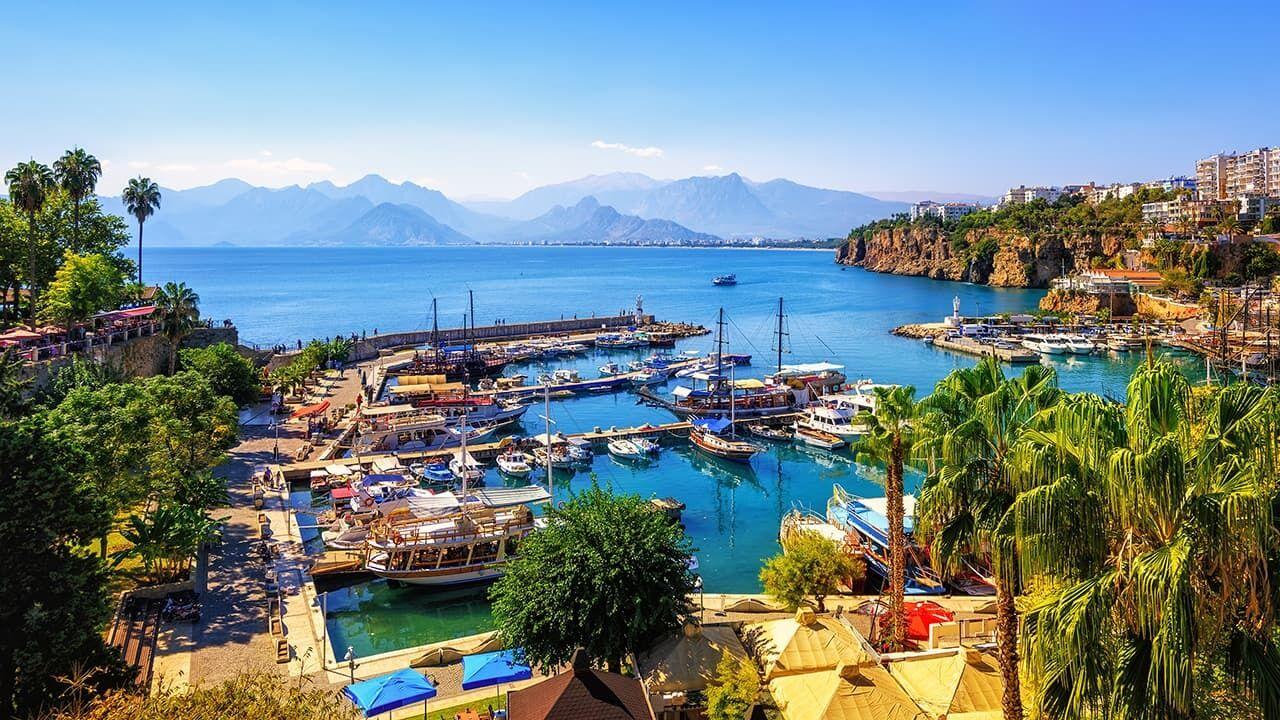 Туроператори рекомендують заздалегідь бронювати готелі в Туреччині для відпочинку влітку.