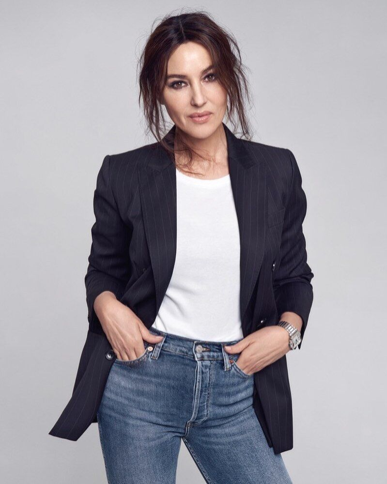 Моника Беллуччи показала идеальный деловой стиль