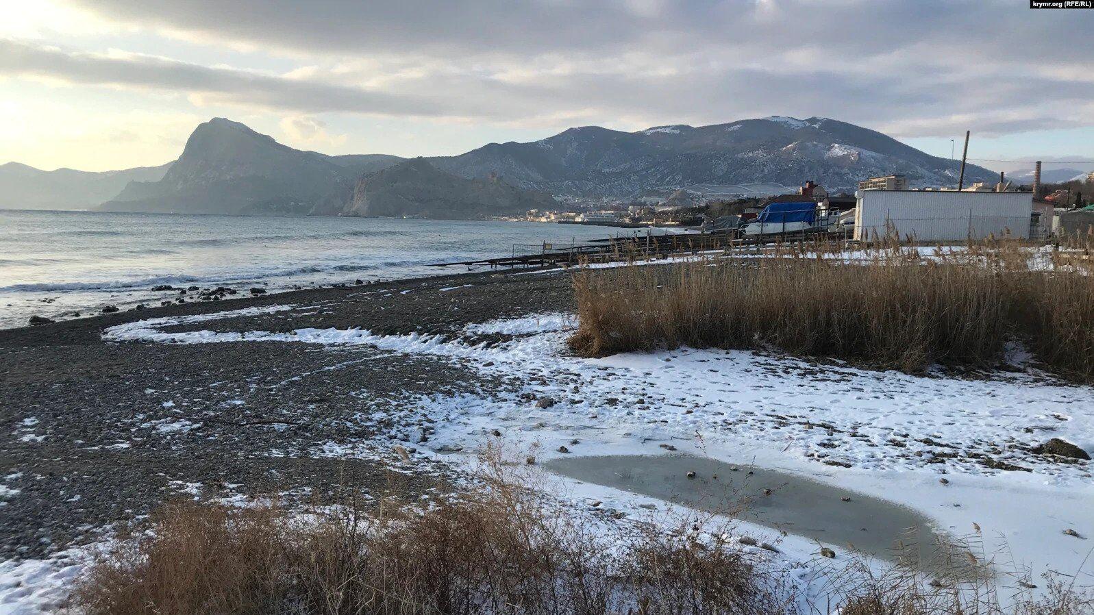 Устье реки Суук-Су у мыса Алчак, январь 2021 года