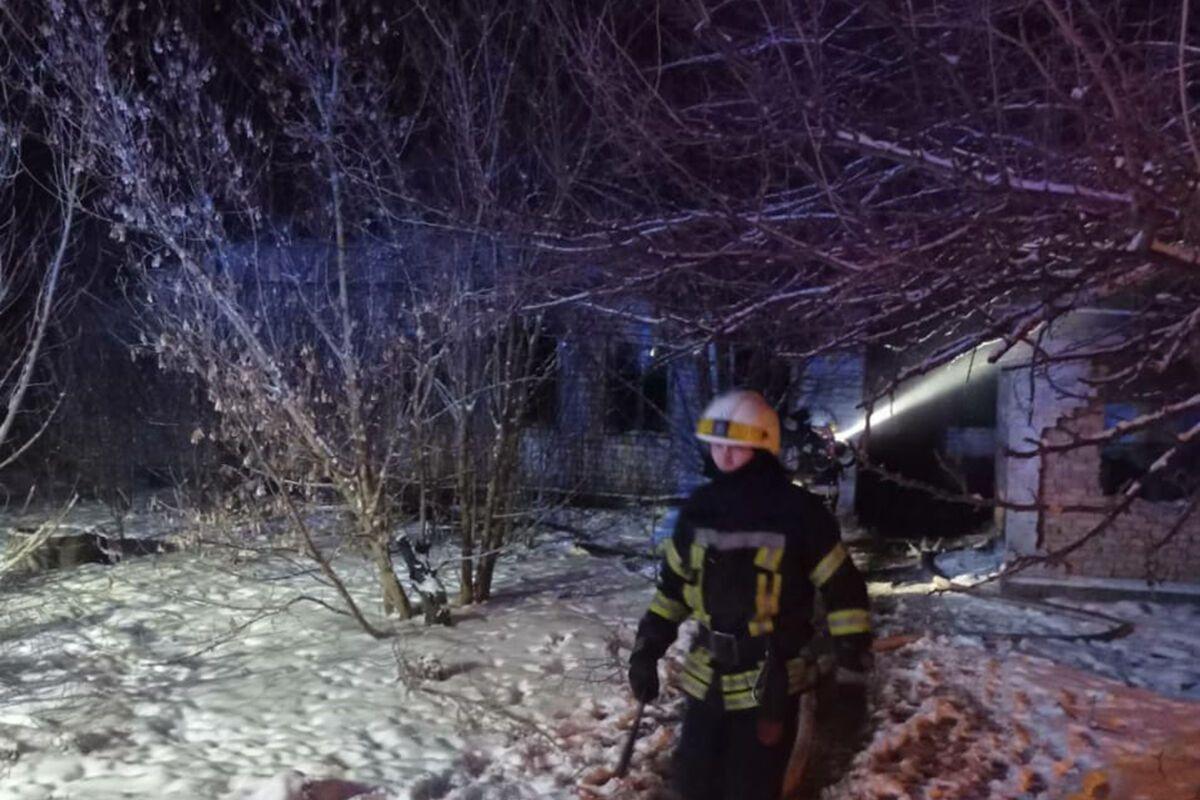 Пожар произошел в неэксплуатируемом доме