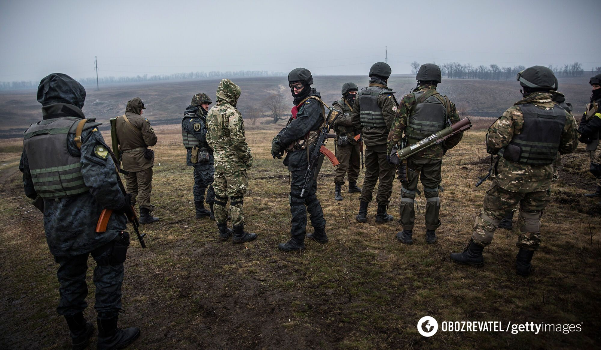 Українські війська на тренуваннях поблизу міста Маріуполя Донецької області