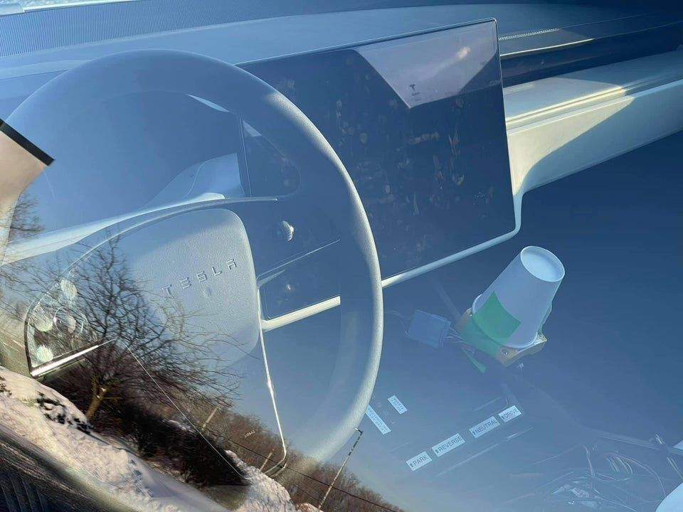 Обычно руль в Tesla Model S