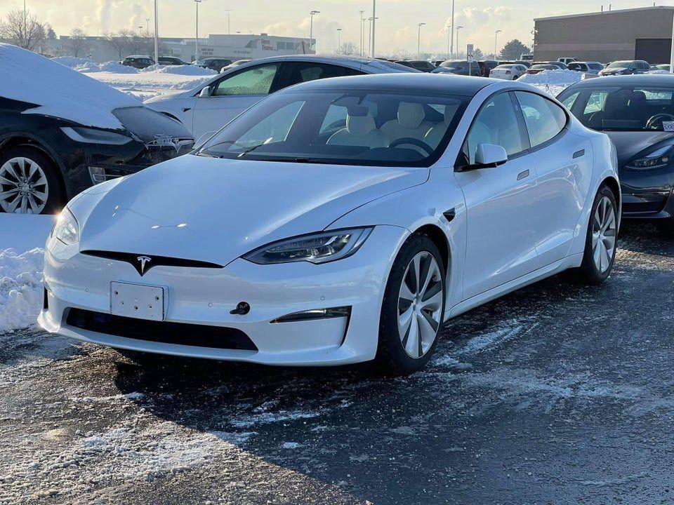 Тестовый прототип Tesla Model S
