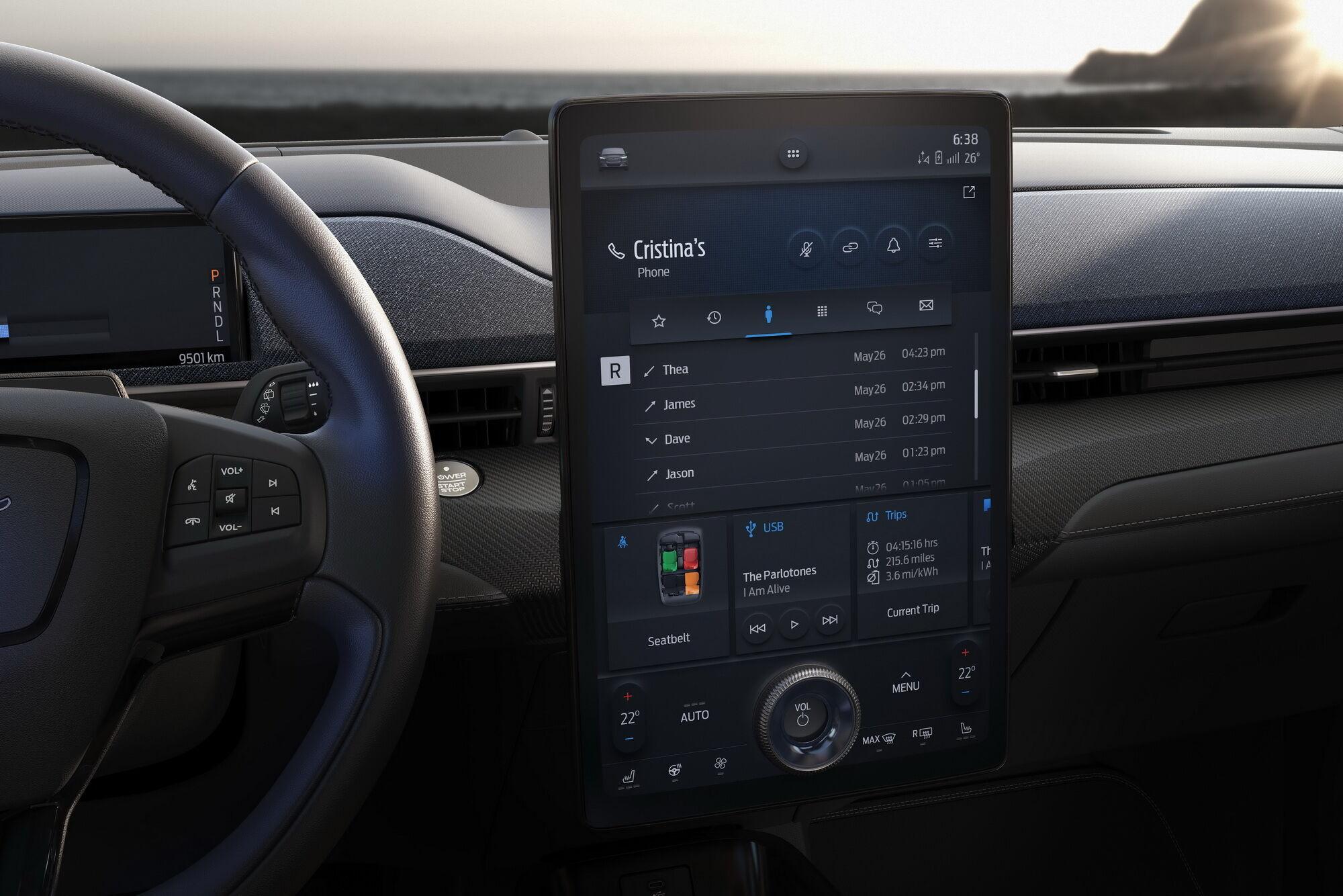На электрическом кроссовере Ford Mustang Much-e установлена инфо-развлекательная система SYNC 4 с 15,5-дюймовым дисплеем и широкими коммуникационными возможностями