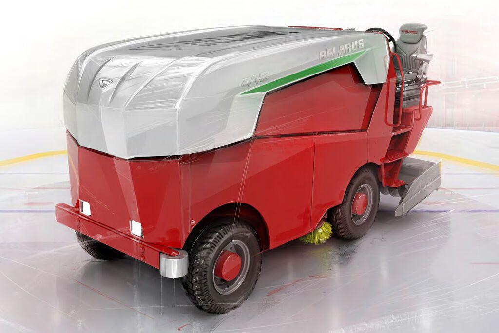 Совместно с МТЗ создан электрический комбайн для заливки льда на катках