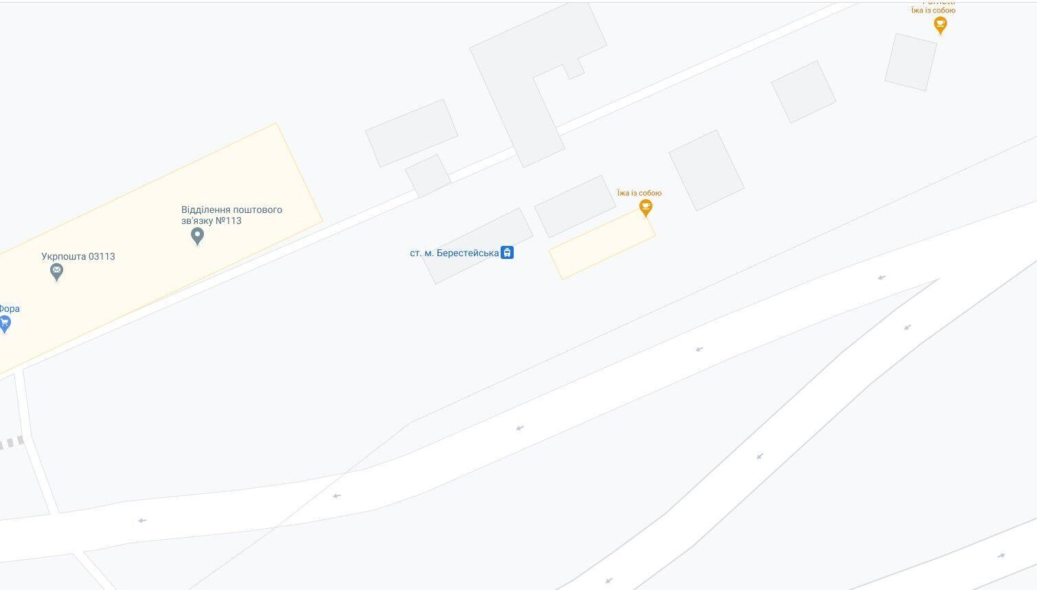 """Черги помітили біля станції трамвая """"Берестейська""""."""