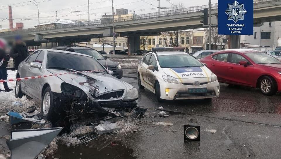 Унаслідок ДТП постраждали двоє пішоходів.