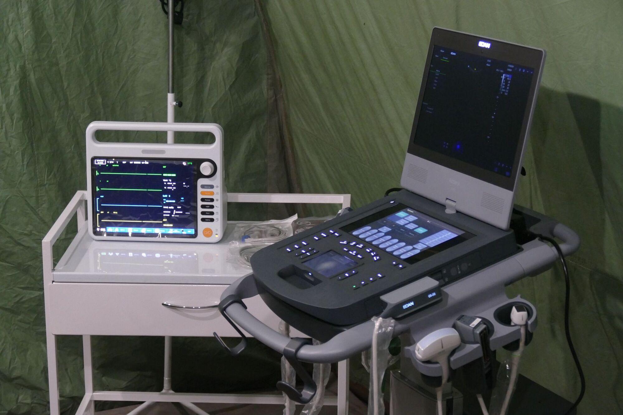 На Прикарпатті облаштували мобільний госпіталь для хворих на коронавірус