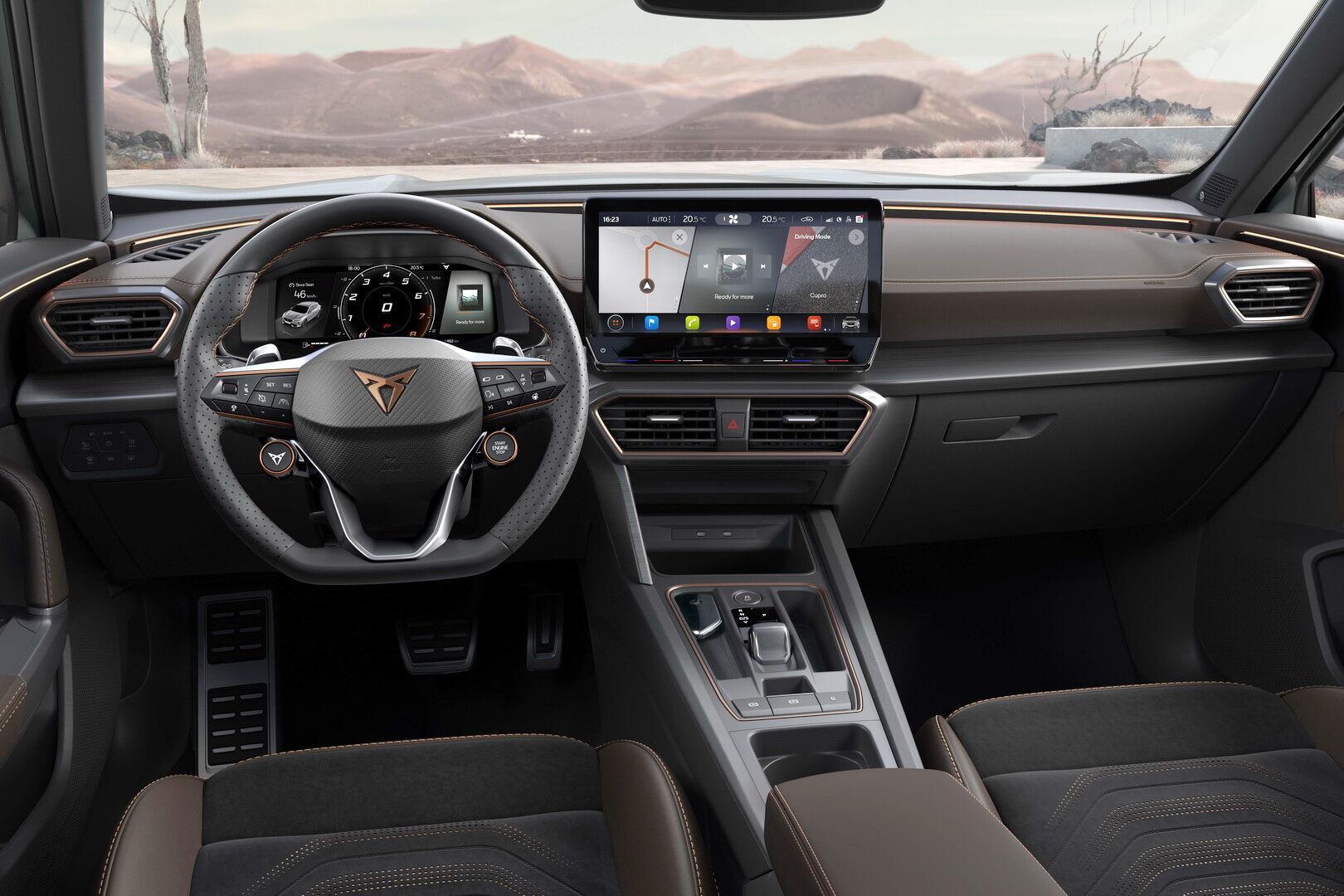 По центру торпеди – 12-дюймовий екран мультимедійної системи з підтримкою Apple CarPlay та Android Auto