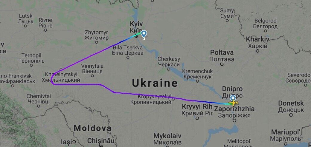Полет самолета UR-WRR