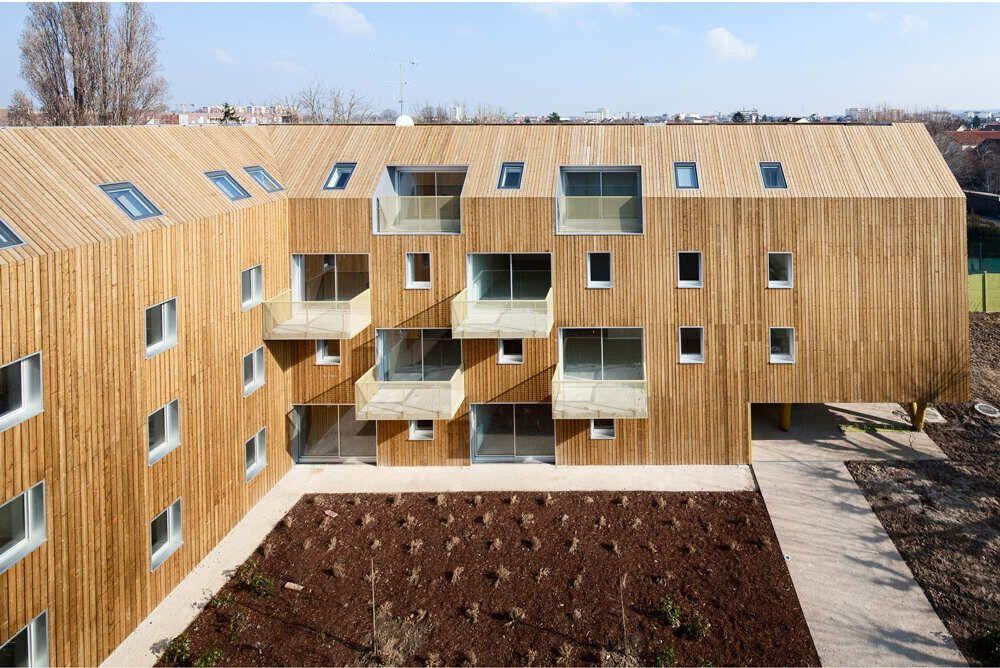 Балконы квартир расположены в шахматном порядке, чтобы не затенять соседние