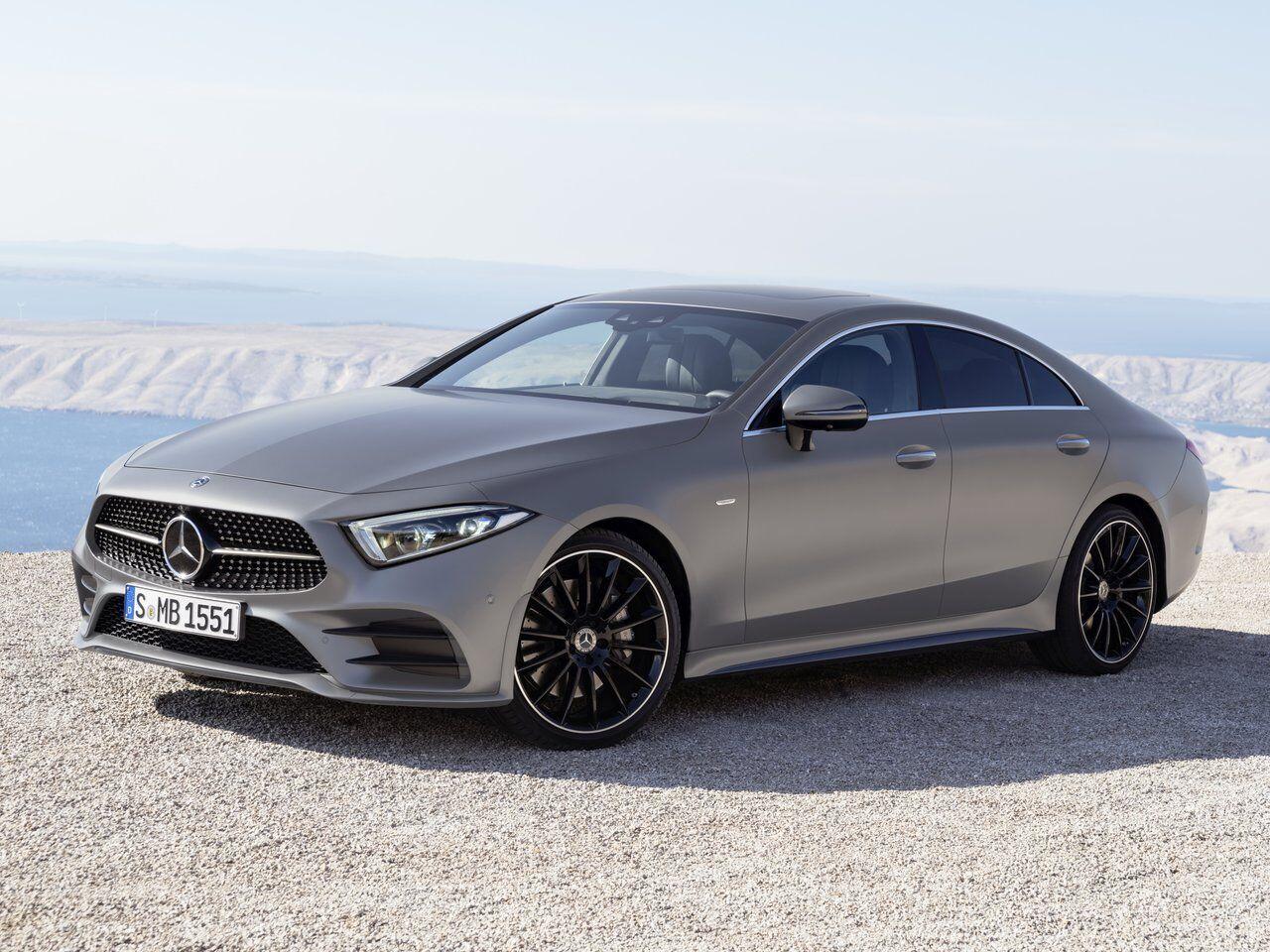 Mercedes – законодатель моды в сегменте четырехдверных купе
